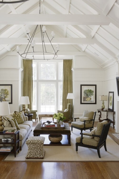 White ceiling with beams
